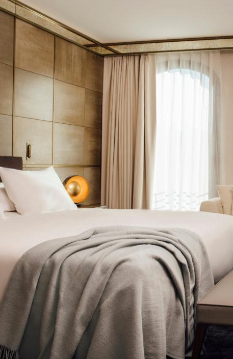 Foscurit y visillo hotel Almanac